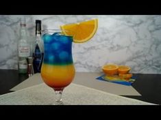 Żar Tropików - przepis na drink - YouTube Curacao Drink, Blue Curacao, Alcoholic Drinks, Cocktails, Tipsy Bartender, Banana Milkshake, American Food, Quick Recipes, Hurricane Glass