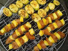 grill w wersji fit! Cukinia w curry i ziołach prowansalskich oraz szaszłyki z indyka i ananasa!