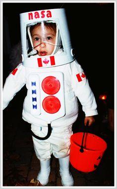 Diy-Halloween-costume-astronaut