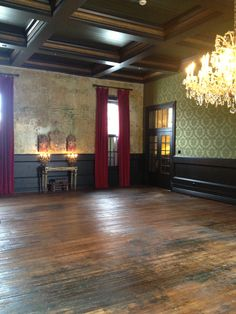 Palazzo Lavaca Great Room cleared of all its priceless relics. Somehow it seems even more grand in this state.