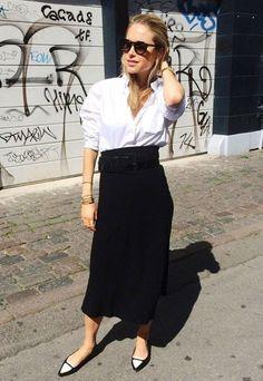 Para o Office Look, vale substituir a calça de alfaiataria por uma saia preta básica. Finalize com flat P&B.