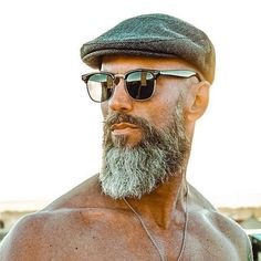 Beard Styles 827888343984547624 - The best Beard styles in the world. Bald Men With Beards, Bald With Beard, Beard Fade, Grey Beards, Sexy Beard, Goatee Beard, Beards And Hair, Beard Haircut, Long Beards