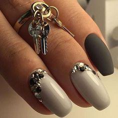 Two-color gel polish nails unghie gel, gel unghie, ricostruzione unghie, gel per unghie, ricostruzione unghie gel http://amzn.to/28IzogL