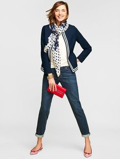 Weeken preppy style - scarf by talbots fashion color combos Adrette Outfits, Preppy Outfits, Preppy Mode, Preppy Style, Black Women Fashion, Womens Fashion, Fashion Trends, Cheap Fashion, Fashion Fall