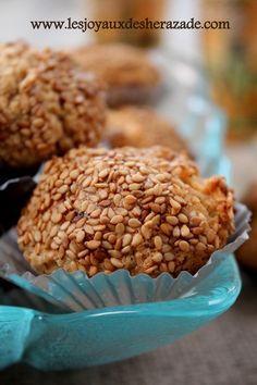 gateaux aux graines de sésames , mchewek, gateau algerien