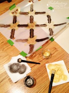 How to stencil on canvas for a table runner. Cute use of our French Bee Trellis stencil from http://www.royaldesignstudio.com/