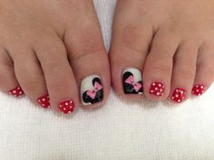 Minnie Mouse toe nails