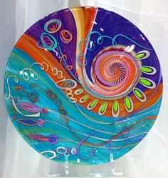 Very Merry Holiday Fair: Jenni Hopfinger Fused Glass Plates, Fused Glass Art, Stained Glass, Mosaic Art, Mosaic Glass, Handmade Wall Clocks, Glass Fusion Ideas, Glass Fusing Projects, Kiln Formed Glass