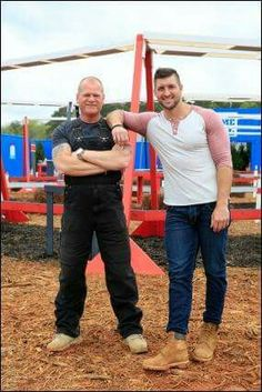 a hero tim tebow Why people do and don't like tim tebow  tim would play the part of hero  friend i was writing a blog about what people do and don't like about tim tebow,.