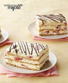 Gâteau frigidaire aux fraises #recette Strawberry Icebox Cake, Strawberry Dessert Recipes, Sweets Recipes, Frozen Desserts, No Bake Desserts, Just Desserts, Delicious Desserts, Icebox Cake Recipes, Pastry Recipes