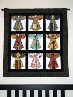 "Pattern: Betty Blais ""Kimonos"" Each individual kimono block was paper pieced. Japanese Embroidery, Embroidery Art, Embroidery Patterns, Japanese Quilt Patterns, Japanese Fabric, Quilting Projects, Sewing Projects, Quilting Ideas, Asian Quilts"