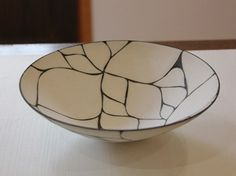 Kakiotoshi Bowl / The tableware is made by Masiko ware that the pottery is created on end of Edo period at Tochigi prefecture. Designed by Taketoshi Ito