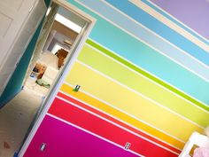 Is this not the most delicious bedroom wall you've ever seen? I'd lick it, if not for all the sickness and colored-tongue that would ensue.