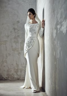 Modern Indian Wedding Dress And Wedding Gown Ideas Modern indian wedding dresses and wedding gowns ideas indian wedding dresses and wedding gowns ideas 44 Muslimah Wedding Dress, Muslim Wedding Dresses, Wedding Attire, Bridal Dresses, Wedding Gowns, 2017 Wedding, Trendy Dresses, Modest Dresses, Malay Wedding Dress