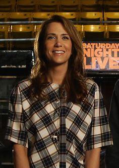 Kristen Wiig returns to SNL!