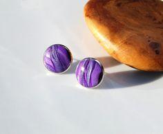 Boucles d'oreilles puces violet parme lilas cabochon fait main métal argenté- Collection : Boucles d'oreille par perles-et-petales