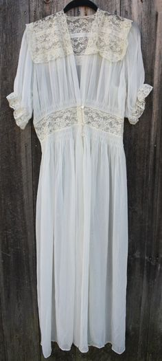 Vintage 1940's Full-length gown with lace insets