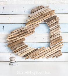 Driftwood Christmas Tree, Driftwood Wreath, Driftwood Projects, Driftwood Art, Beach Christmas, Driftwood Ideas, Twig Crafts, Beach Crafts, Shell Crafts