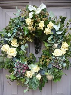 Foxtail Lilly - Vintage Florist - Bespoke Wedding Flowers Christmas Door Wreaths, Christmas Flowers, Autumn Wreaths, Christmas Decorations, Funeral Flowers, Wedding Flowers, Flower Wreath Funeral, Wreaths And Garlands, Floral Wreaths