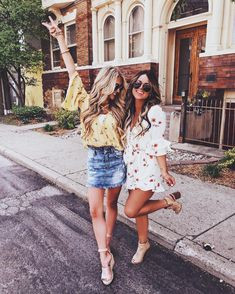 Boutique fashion—best friends, girl time, photoshoot