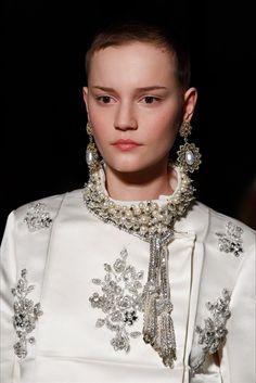 Chi ama i gioielli, non può perdersi l'ultimo giorno della Haute Couture d