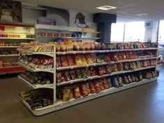 Proyecto Mobiliario Tienda / Cafetería Estación de servicio Arroyo Molinos http://gibam.es/proyectos/repsol-arroyo-molinos/