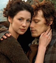 Jamie & Claire ~ 2nd half season 1                                           `