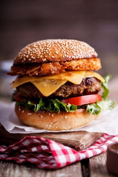 Cheeseburger with crispy onion rings - Simply Delicious More