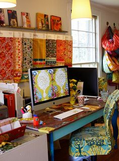 would love an area like this for my Mac.     fabric and apples. fabric and apples.     @Dana Puhl - could be a cool idea for an office, to incorporate fabric nearby.