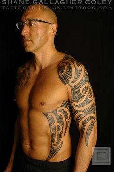 Maori Sleeve and Side Tattoo/Ta Moko Weird Tattoos, Badass Tattoos, Side Tattoos, Tribal Tattoos, Tattoos For Guys, Cool Tattoos, Tatoos, Shane Tattoo, Maori Tattoo Designs