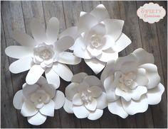 Fleurs en papier géantes : Décorations murales par sweety-creation