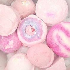 61 ideas bath boms lush pink for 2019 Bath Booms, Lush Bath Bombs, Lush Cosmetics, Lush Products, Beauty Products, Perfume, Everything Pink, Mason Jar Crafts, Belleza Natural