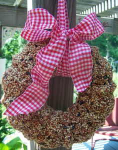 Create a birdseed wreath - Recipe and instructions