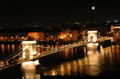 The chain bridge in Budapest at night - beautiful!