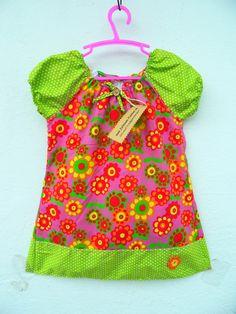 Kleider -   Pünktchen Blumenkleid Häkelblume Gr.104 - ein Designerstück von Zellmann-Fashion bei DaWanda