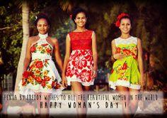 """""""ça a l'air de petites filles, mais ça n'est pas"""" Samoan Women, Samoan Designs, Island Wear, Hawaii Dress, Tropical Fashion, Different Dresses, Couture, Ladies Day, Dress Patterns"""