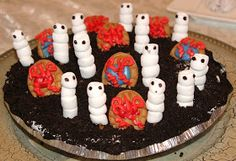 What's Cookin' Italian Style Cuisine: Halloween Food Recipes and Graveyard Ghost Dirt Pie