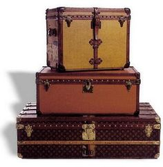 love vintage luggage as accent pieces. :)