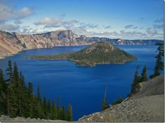 Crater Lake National Park in Oregon
