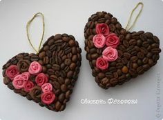 7 Espectaculares manualidades que puedes hacer con granos de café ~ Mimundomanual Coffee Bean Decor, Coffee Crafts, Coffee Art, Crafts To Make, Kids Crafts, Seed Craft, Valentine Day Gifts, Valentines, Diy Y Manualidades
