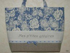 Charmant sac lin et toile fleurie**mes p'tites affaires** - cabas et sacoches - Amarante - Fait Maison