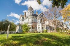 The Turner House Is One Of The Last Queen Anne Style Houses In Milwaukee  And Is Ready For Your Finishing Touches. One Of A Kind, Milwaukee, ...