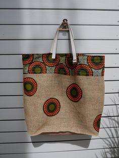 Items similar to Tote bag beach bag or shopping bag - recycled burlap coffee + wax - single model - reversible on Etsy Burlap Bags, Jute Bags, Ankara Bags, Diy Sac, African Accessories, Patchwork Bags, Fabric Bags, Printed Bags, African Fabric