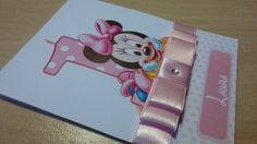 Convite Minnie Baby Minnie Baby, Babe, Phone, Invitation Ideas, Invitation Birthday, Box Covers, Invitation Templates, Telephone, Mobile Phones