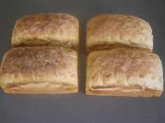 I have finally settled on a way that I make rewena bread. It still doesn't have a strong yeasty flavour, more like sourdough if I'm completely honest, and most likely because I don't bother to kee. New Zealand Food And Drink, Fish Batter Recipe, Polynesian Food, Hot Cross Buns, Island Food, Easy Bread, How To Make Bread, Bread Baking, Cooking Recipes
