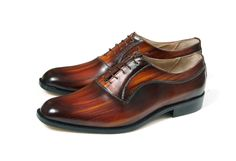 Leather man shoes, wood, warm brown, Oxford, hand painted (made in Italy) by JacopoRidolfiShoes on Etsy https://www.etsy.com/listing/261382411/leather-man-shoes-wood-warm-brown-oxford