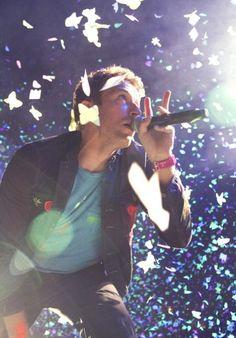Chris Martin w/ Coldplay at Rogers Arena last night (April 20). Tamara Lee photo