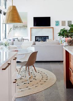 decorology: A stylish modern family home white and full of light