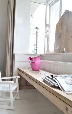 #kindertafel #steigerhout | FRIVOLE ...........click here to find out more http://kok.googydog.com