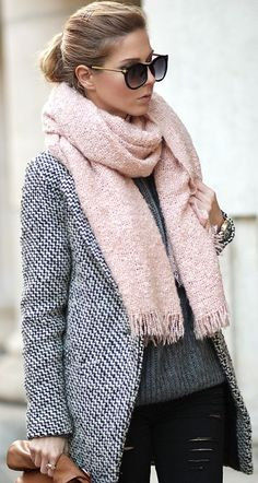 Mix Of Neutrals: pale pink scarf, grey coat & sweater, black pants.